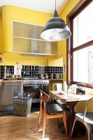 cuisine coloré cuisine colorée des idées pour mettre de la couleur en cuisine