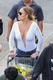 hawaii for thanksgiving mariah carey at thanksgiving grocery shopping trip in hawaii