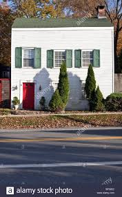saltbox home saltbox house stock photos u0026 saltbox house stock images alamy