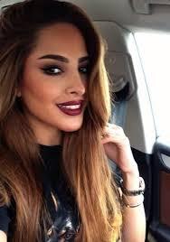 when and how to wear dark lipstick