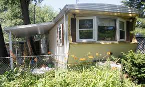 One Bedroom Trailer 22 Dogs Cat Bird Seized From Trailer Park In City The Blade