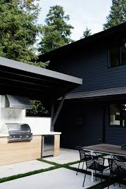 Outdoor Kitchen Roof Ideas by Best 25 Modern Outdoor Kitchen Ideas On Pinterest Asian Outdoor