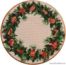 buzzinbumble vintage holiday wreath quilted topper u0026 fabric giveaway