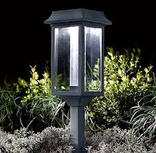 Solar Powered Outdoor Lights by 19 Best Front Walkway Light Images On Pinterest Front Walkway