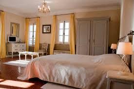 chambre en pin chambre d hôtes de charme la bastide du pin à lorgues
