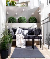 Ideas For Small Balcony Gardens by 5 Simple Tips To Cozy Up Your Outdoors For Fall Balconies Small
