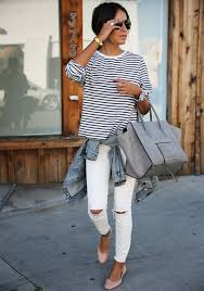 Skinny Jeans And Converse Julie Sarinana Is Wearing A Striped T Shirts From Gap White