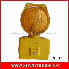Solar Traffic Light - red yellow color led flashing solar traffic safety warning light