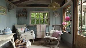 bedroom decor for small rooms small cottage interiors ideas small