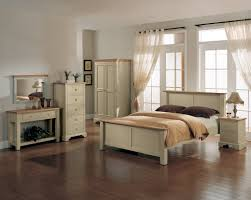 Cream And White Bedroom Ideas Dazzling Decorating Ideas Using Rectangular Brown Wooden Headboard