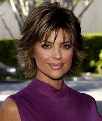 how to get lisa rinna s haircut step by step lisa rinna in 33rd annual daytime emmy awards lisa rinna latest