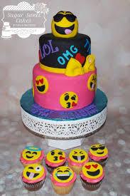wedding cake emoji emoji 13th bday cake by sugar sweet cakes cakesdecor
