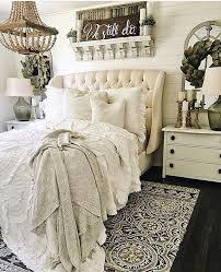 Decorating Bedroom Walls by Best 25 French Bedroom Decor Ideas On Pinterest French Inspired
