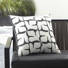 outdoor cushions u0026 outdoor pillows crate and barrel
