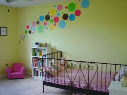 Fun And Easy Ways To Use Polka Dot Wall Decals - Polka dot wall decals for kids rooms