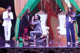 huma qureshi visits sabarmati ashram celebrity photos
