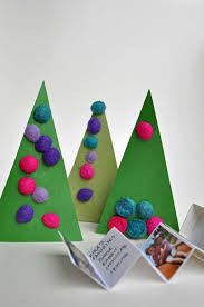 Arts And Crafts Christmas Tree - hello wonderful 13 simple christmas tree crafts