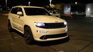 jeep 2014 white unloading 2014 jeep grand srt 04 19 2013