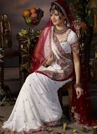 How To Drape A Gujarati Style Saree Gujarati Bridal Saree Draping Styles Saree Guide