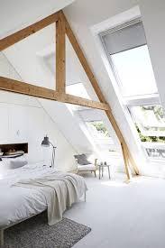 chambre toute chambre sous pente blanche déco épurée