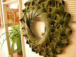 palms for palm sunday 18 amazing things woven out of palm sunday palms catholic news