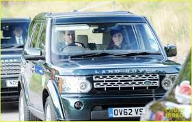 land rover queens kate middleton u0026 prince william drive away after church photo