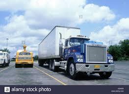 mack truck dealers mack truck lorry stock photos u0026 mack truck lorry stock images alamy