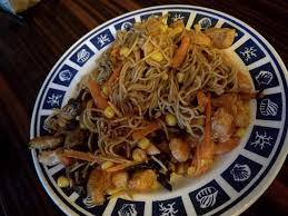 comment cuisiner des nouilles trois façons d accommoder les nouilles chinoises recette de trois