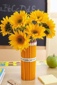 sunflower centerpiece creative idea fashionable party table decor with yellow