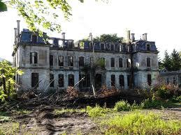 le château de saulxures malheureusement près pour la démolition