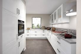 White Shaker Kitchen Cabinets by Shaker Kitchens Wood Grain Detail With Shaker Kitchens Finest