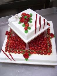 hochzeitstorte erdbeeren die flitterwochen sind schon in sicht mit dieser hochzeits torte