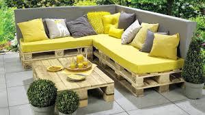 canap en palette en bois 1001 id es pour fabriquer un banc en palette charmant avec banc