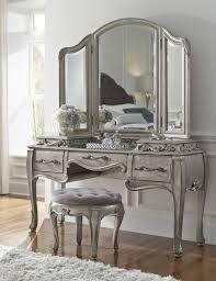 Bedroom Vanities With Mirrors by Vanity Bedroom Vanity Mirrors Bedroom Vanity With Mirror And