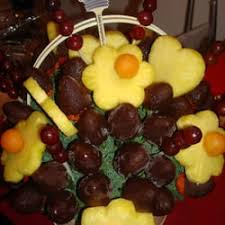 fruit arrangements nyc edible arrangements 22 photos 24 reviews gift shops 100 st