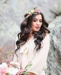 fleurs cheveux mariage astuces et idées pour coiffures de mariage avec des fleurs