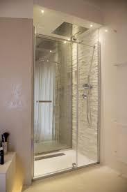 italian bathrooms italian bathrooms 7 la doccia passante tra bagno e camera da