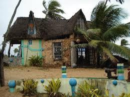 Dream House On The Beach - hippy house hippie house house and future
