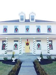 window wreaths how to hang christmas wreaths on outdoor windows armelle