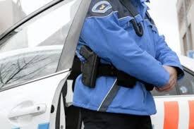 si e suspendu ève policier soupçonné de blagues racistes suspendu suisse