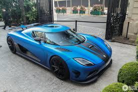 koenigsegg agera s blue koenigsegg agera r 2013 10 july 2016 autogespot
