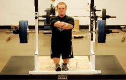 Bench Press World Record Little Giant Murray Holds World Record Bench Press Murray