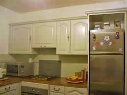 repeindre meuble cuisine merveilleux repeindre une cuisine en chene vernis 13 peinture