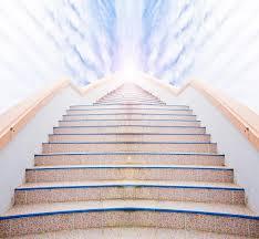 leiter f r treppe leiter zum erfolg treppe und schöne wolke und himmel stockbild