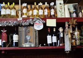 bureau 02 chateau thierry wine tasting vineyards in bar cave arthur bordeaux
