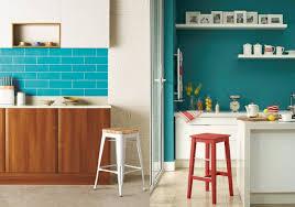 cuisine bleu citron 20 inspirations déco en bleu canard deco bleu canard et place