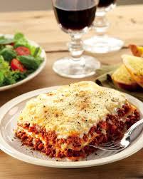 cuisine lasagne lasagne with crispy salad aldi ie
