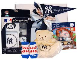 new york gift baskets new york yankees gift baskets treats