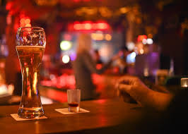 Bar F S Wohnzimmer Selber Bauen Tipps Von Barkeepern So Kommst Du Schneller An Deinen Drink Neon