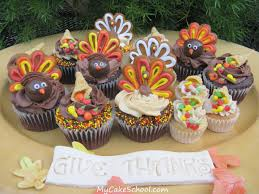 give thanks thanksgiving cupcakes